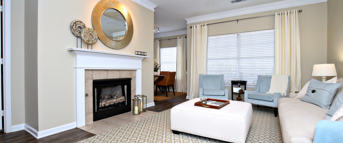 crowne at the summit: stylish apartments in louisville, kentucky
