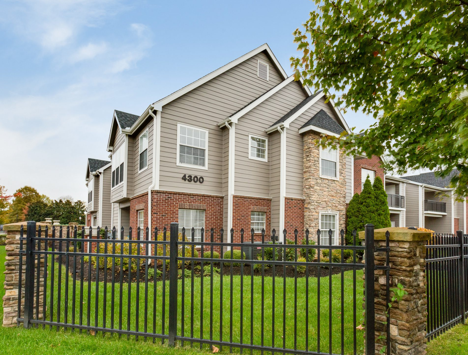 ky farm apartments watch clearwaterfarm apts louisville apartment com clearwater for bedroom rent